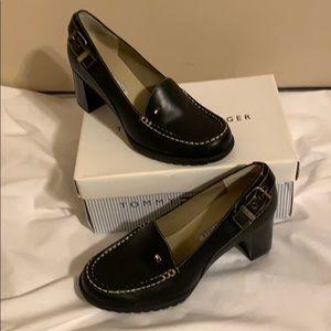 Tommy Hilfiger Debbie Black 7 1/2 Shoes w/ Buckles